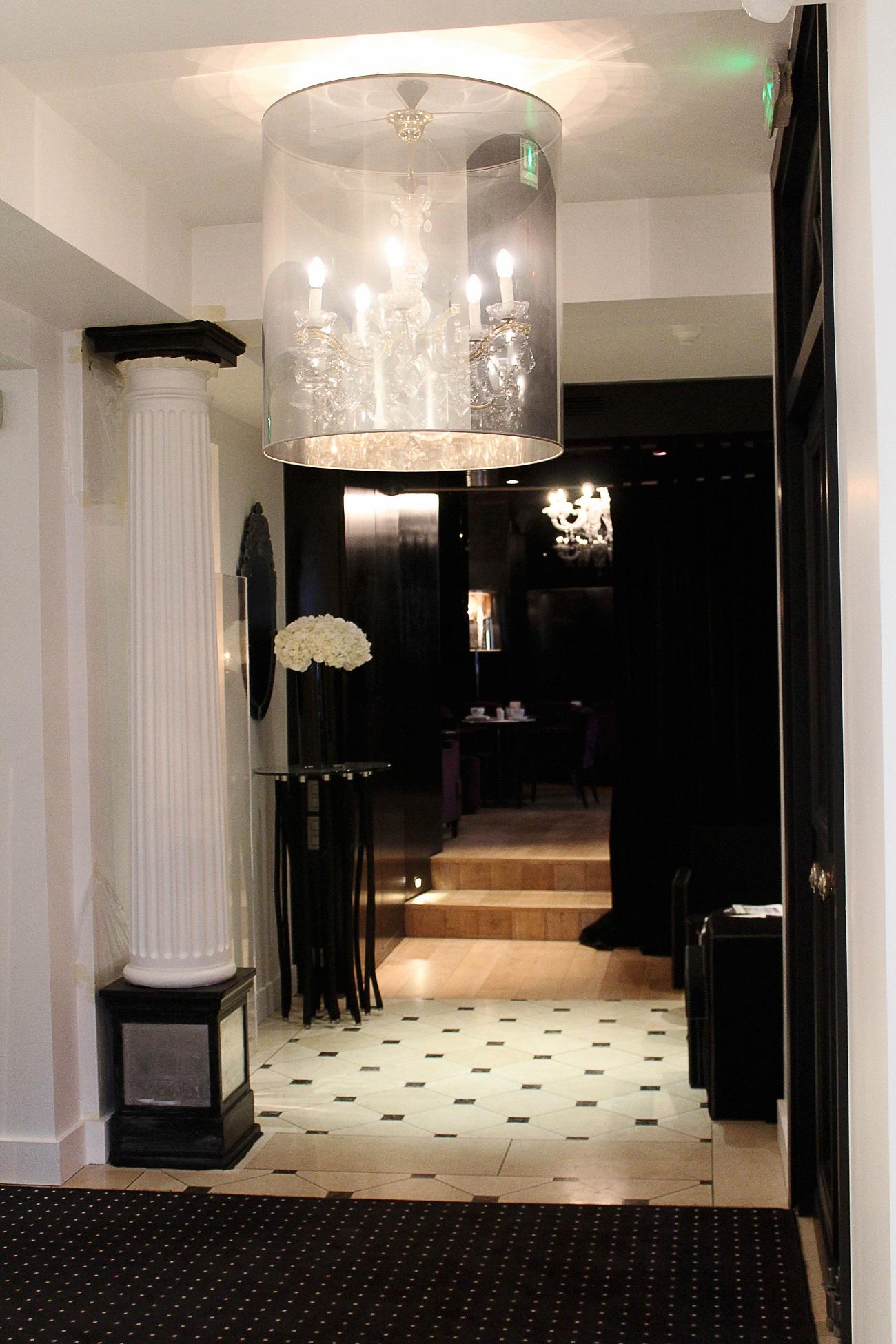 MonHotel_Lounge_and_Spa_Paris_lobby.jpg
