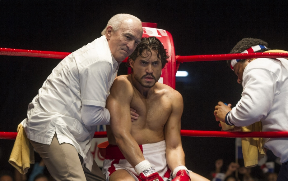 hands-of-stone-2