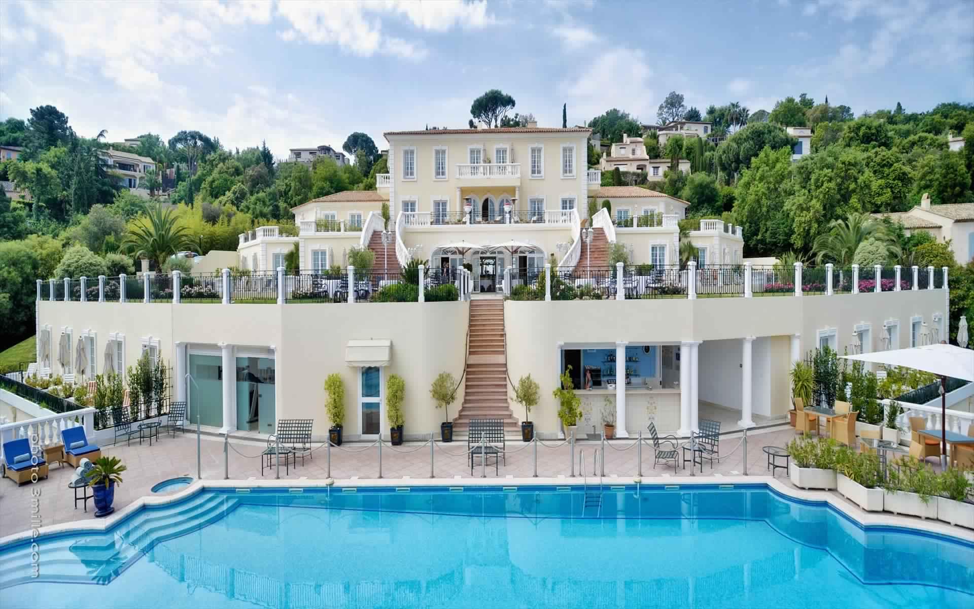 Hotel-Villa-Belrose-St-Tropez-Fashionela