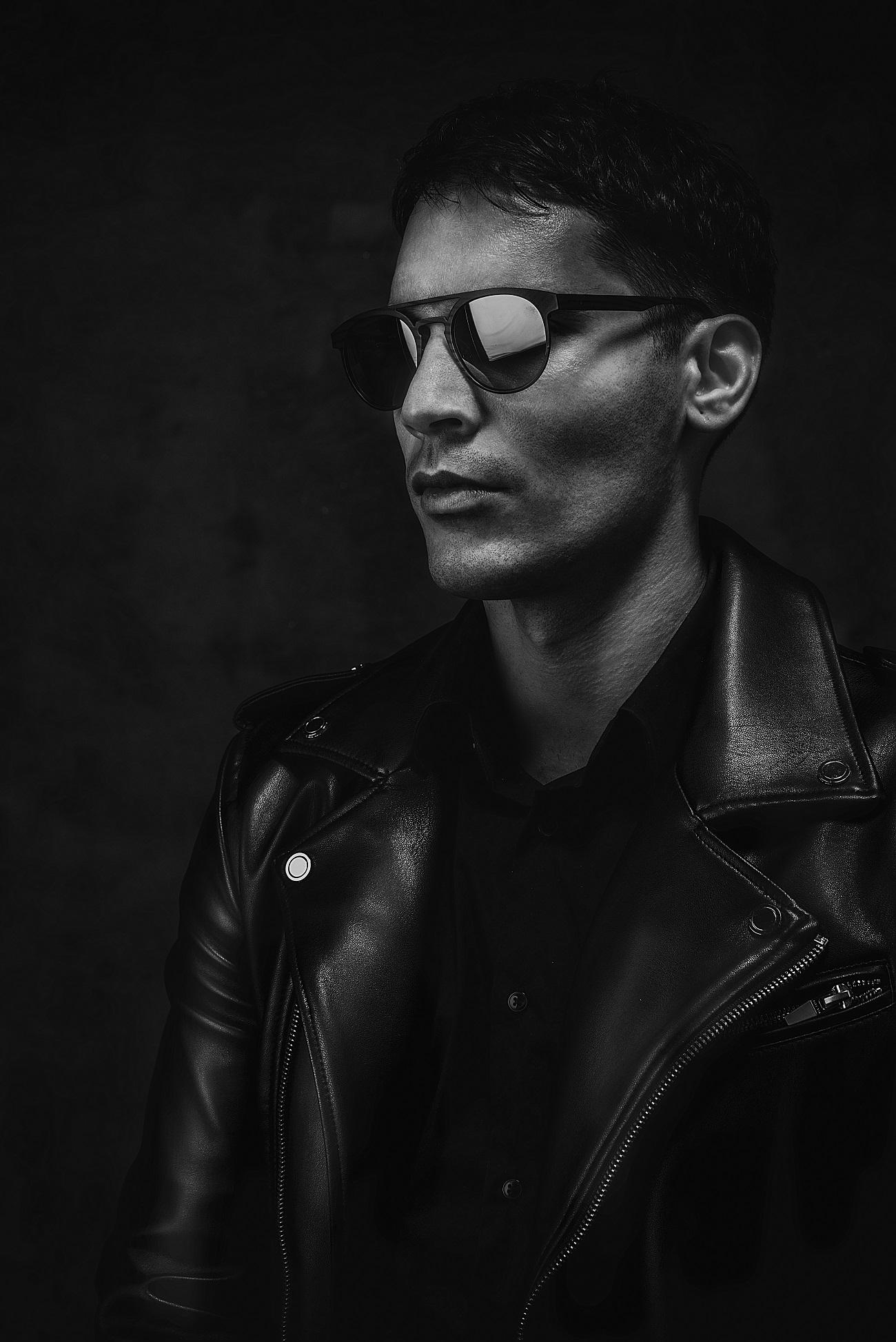 black_leather_-moto_jacket_vukota_brajovic_fashionela